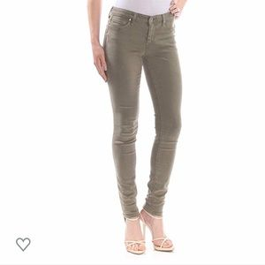 Jessica Simpson kiss me super skinny jeans.